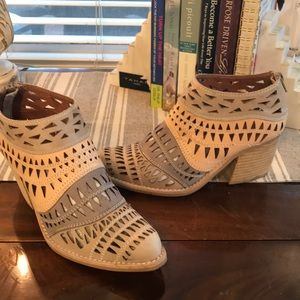 GREAT COND JEFFREY CAMPBELL BOOTS SZ 6